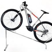 Espositore linea Gioma obliquo per biciclette